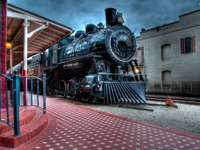 парен влак на платформата