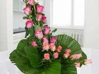 ikebana με τριαντάφυλλα