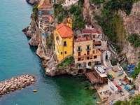 Conca dei Marini, pobřeží Amalfi, Itálie