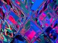 μωβ διακόσμηση σε σχήμα διαμαντιού από γυαλί
