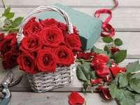 рози в кошницата