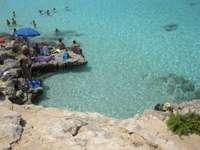 Pláž ke koupání na Maltě