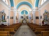 Smartno kyrka av St Martin Goriska Brda i Slovenien