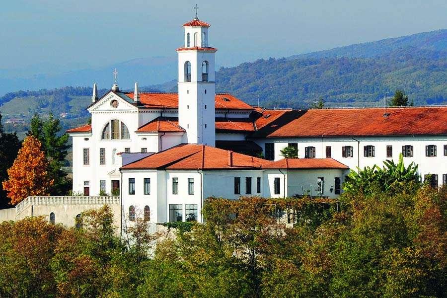 Monasterio de Nova Gorica en Eslovenia (16×11)