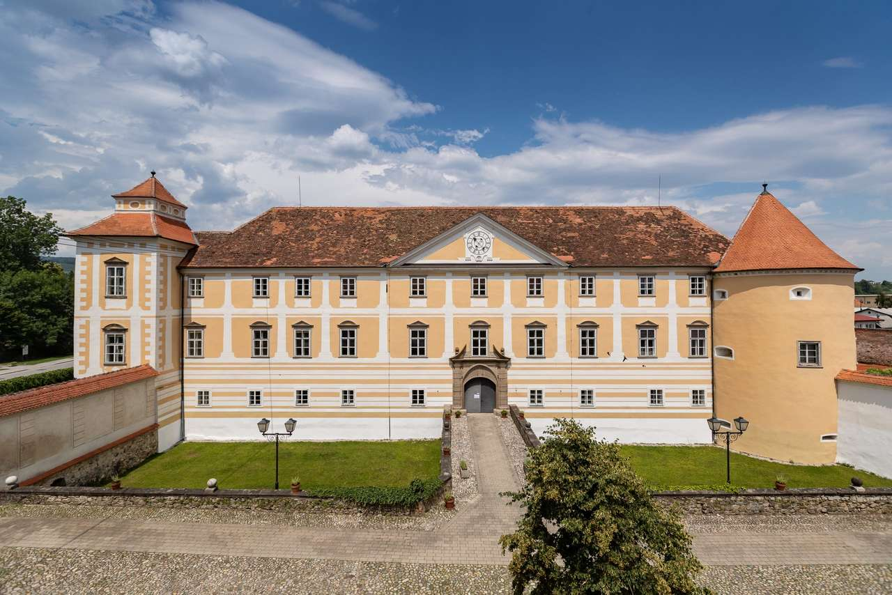 Grad Bistrica Szlovéniában (16×11)