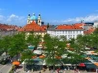 Ljubljana marknadsstånd Slovenien