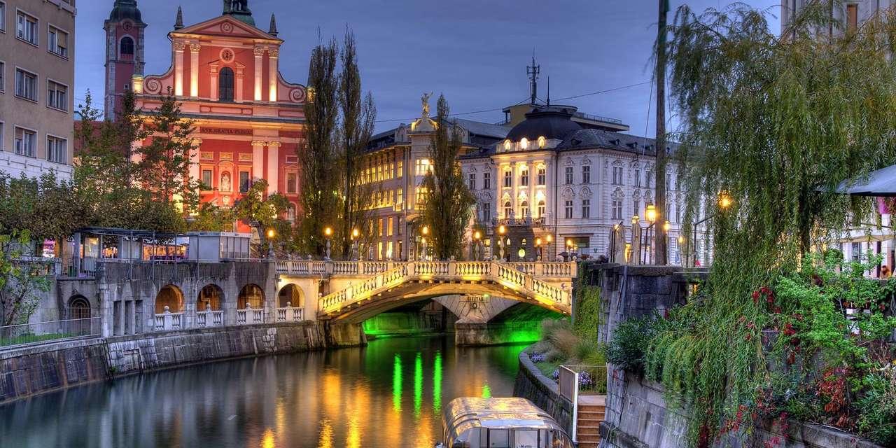 Ljubljana huvudstad i Slovenien (18×9)