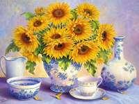 Vaso dipinto con girasoli