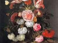 Virágváza fehér rózsaszínű, piros