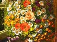 Pittura vaso di fiori davanti alla finestra