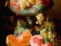 Ciotola di pittura con fiori di zucca di frutta