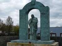 Monumento a Juan Pablo II en Ploërmel