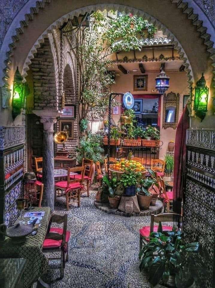 patio español - Patio típico ibérico en flor, de España (8×12)