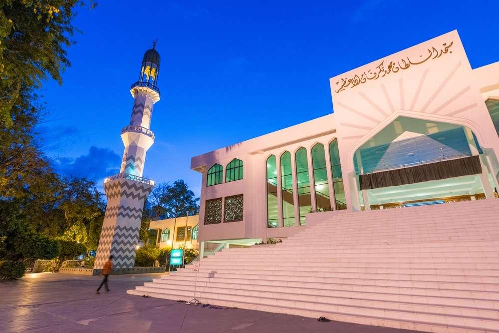 mešita na Maledivách - m (13×9)