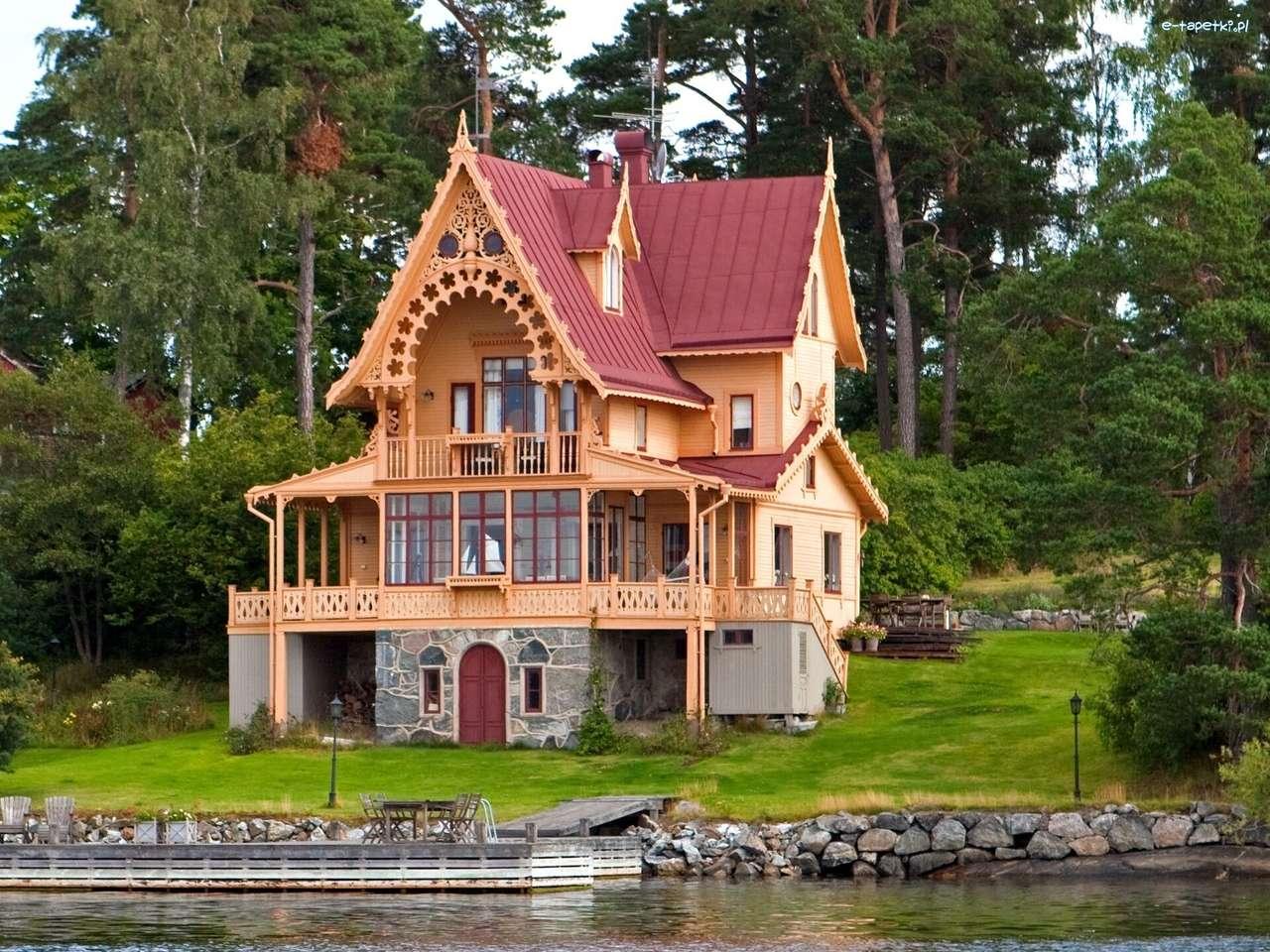 dřevěný dům u řeky - m (13×10)
