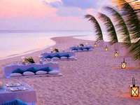 vista a la playa de cuento de hadas