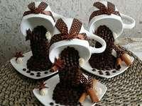 tazas con café como decoración