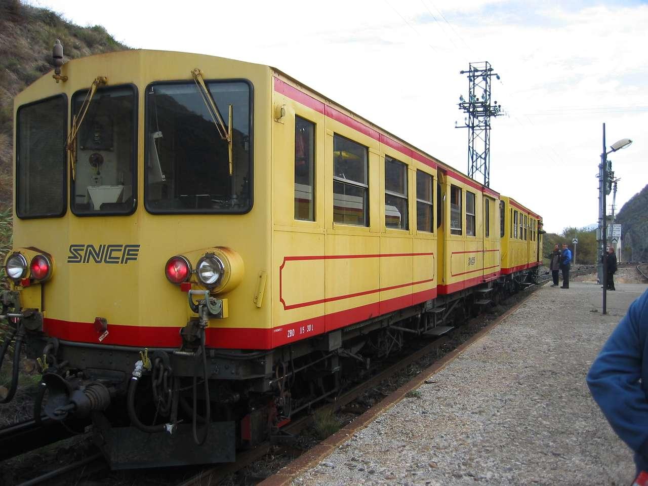 det gula tåget - det gula tåget i Cerdanya (12×9)