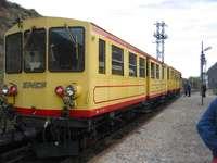 the yellow train