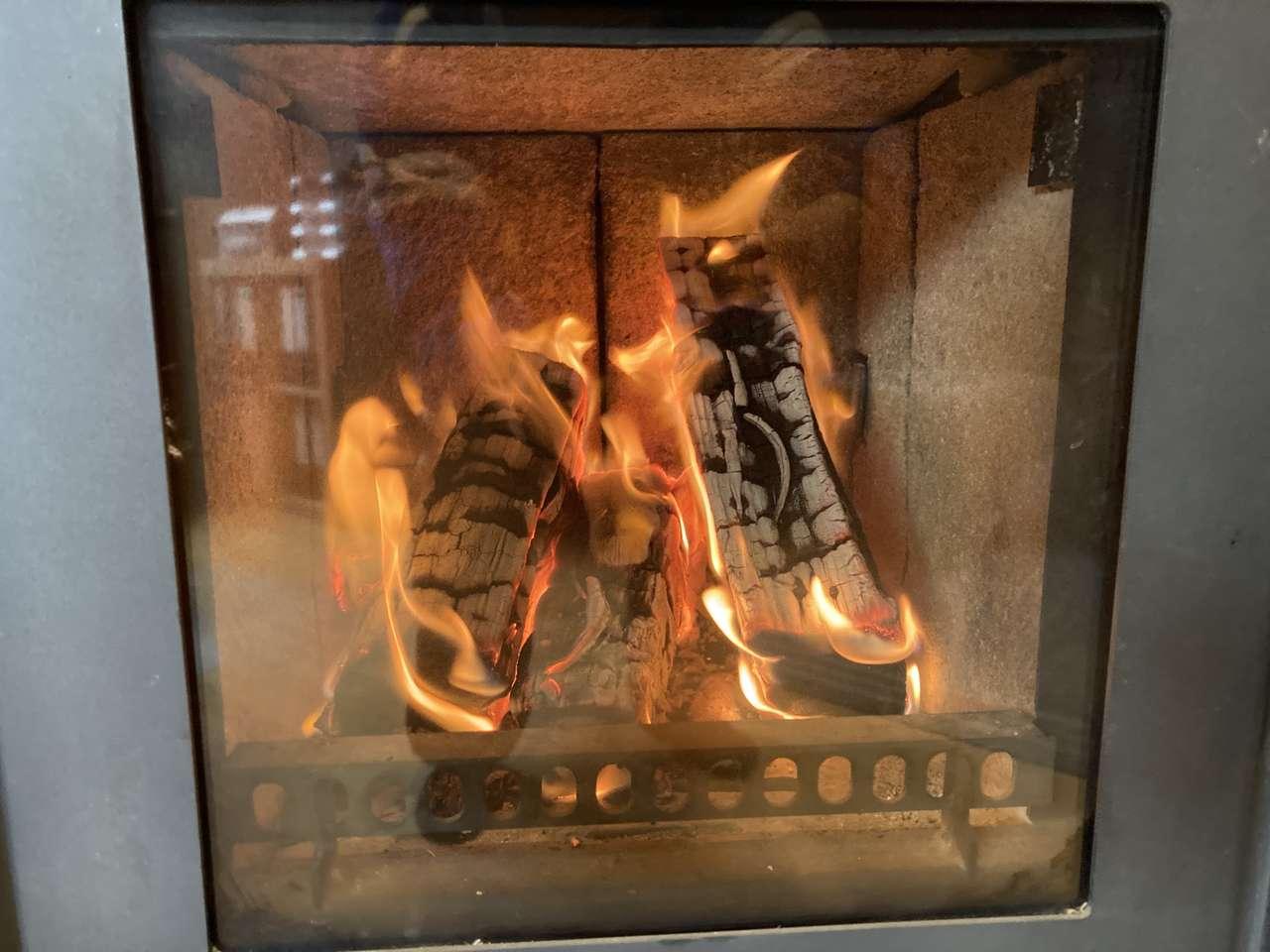 oheň v troubě - v troubě hoří oheň (12×9)