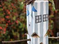 Къщичката за птици