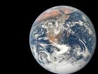 Země, jak je vidět ve vesmíru