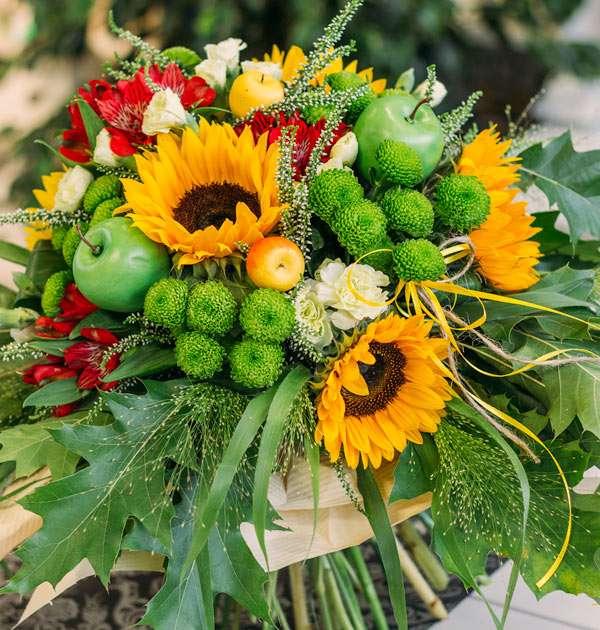 Blumenstrauß mit Sonnenblumen