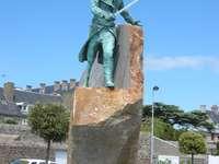 Pomnik w Bretanii