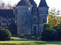 Замък парк
