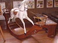 Люлеещ кон