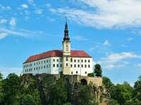 Замъкът Дечин в Чехия
