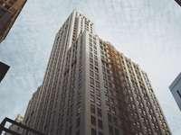 brun betong höghus