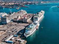 přístav Neapol Itálie