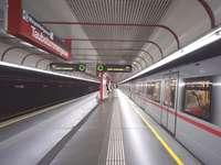 Wien tunnelbanestation U1