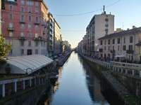 Auf dem Kanal in Mailand