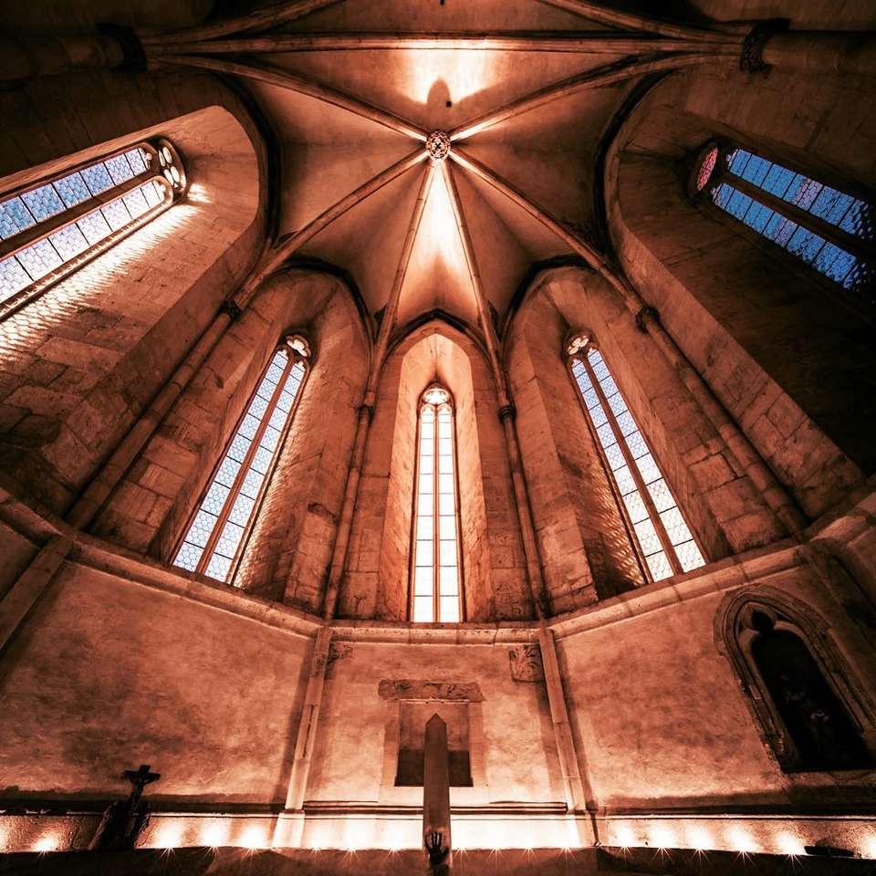 De klankkast op de strop in de kostele (20×20)