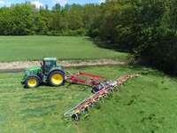 Tractor na polu