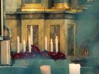 bougies sur table avec bougies