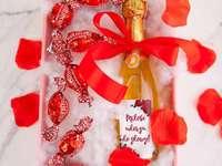 cadou de Sfântul Valentin într-o cutie