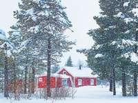 червена къща във Финландия