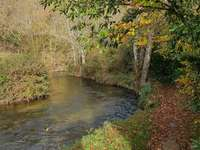 Liten flod