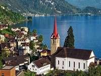 Chiesa sul lago