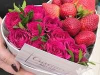 цветчета с ягоди
