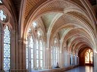 Atrium av ett kloster - SPANIEN