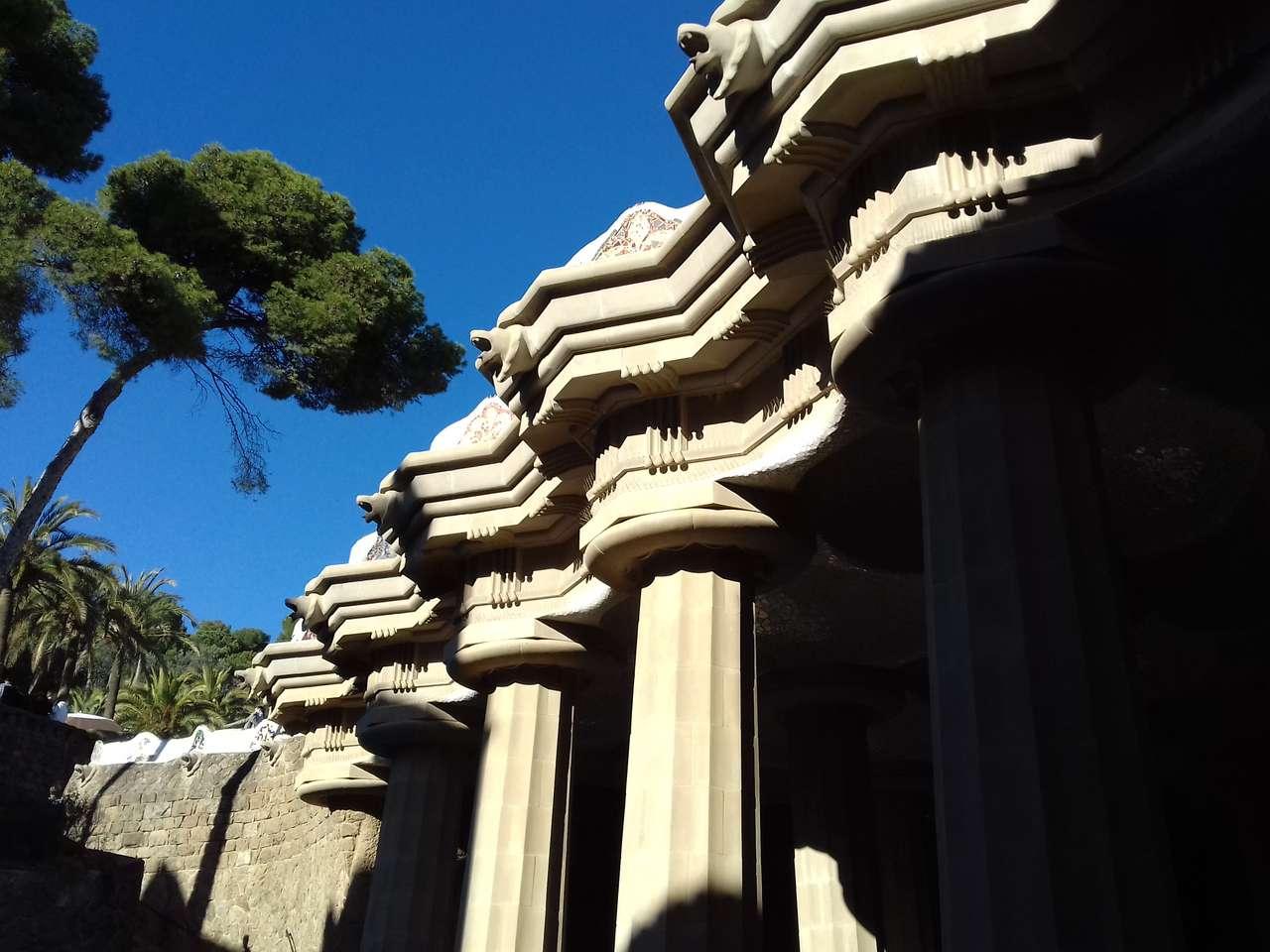 Gaudi Barcelona - Ogród Gaudiego w Barcelonie (12×9)