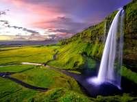 Водопад в рая