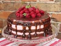 шоколадова малинова торта