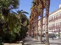 Pěší ulice v Bari