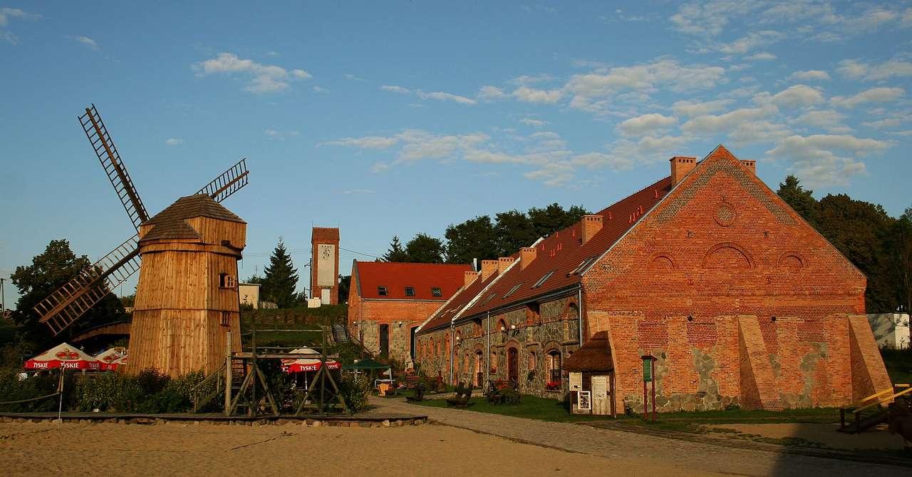 Olandia (friluftsmuseum) - Olenderski Olandia friluftsmuseum - ett historiskt herrgårds- och parkkomplex beläget i byn Prusim som grundades 1386 av familjen Prusimski, beläget i Sierakóws landskapspark och Międzychodzko-Si (5×3)