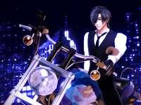 Mitsu op een motorfiets